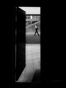 黑白光影下的人文影像,荣耀30 Pro教你如何用黑白摄影探寻光影本质!,爱摄影-荣耀俱乐部